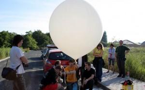 Naplněný balon před startem
